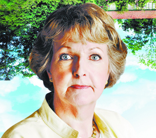 penelope keith to the manor born
