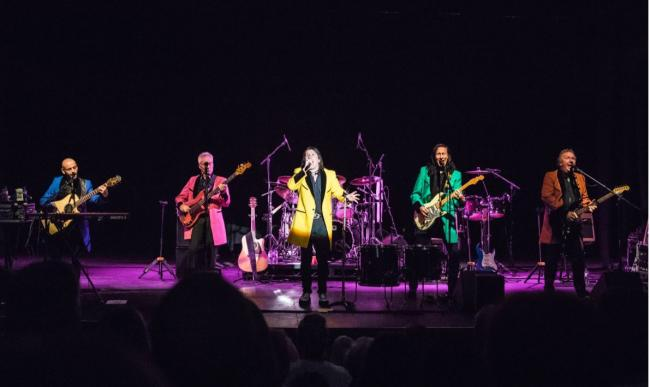 Showaddywaddy playing live