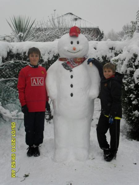 Frosty devil: A Manchester United-supporting snowman