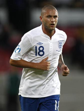 Henri Lansbury has signed a new deal at Nottingham Forest