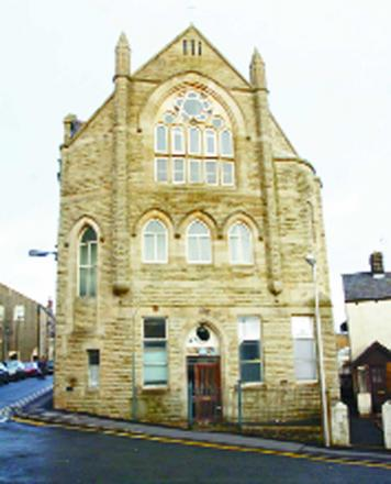 Egg throwing yobs target Clitheroe mosque