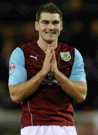 Sam Vokes has signed a new contract at Turf Moor