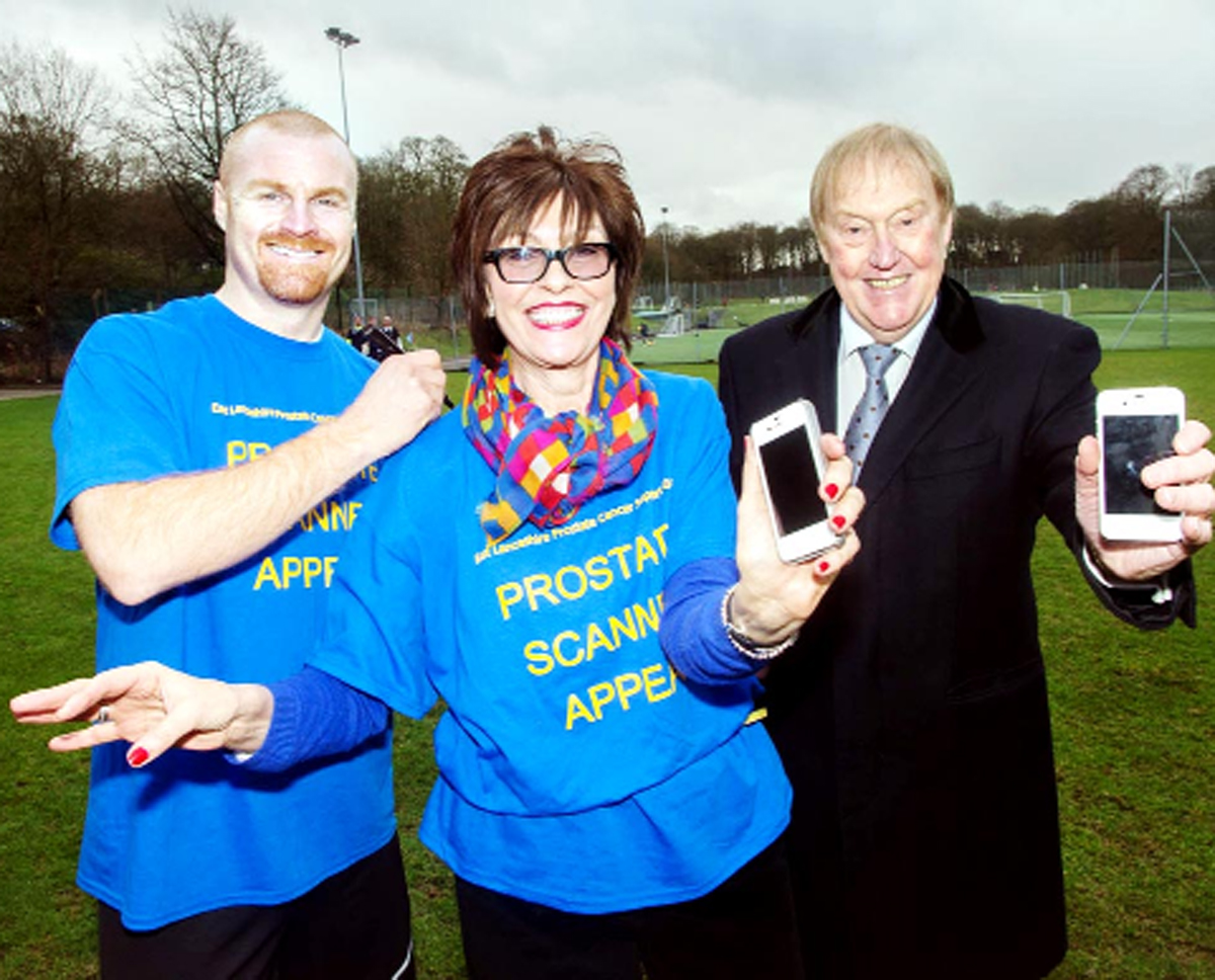 Left to right, Burnley manager Sean Dyche, Gordon Birtwistle's wife, Kathleen and  Barry Kilby