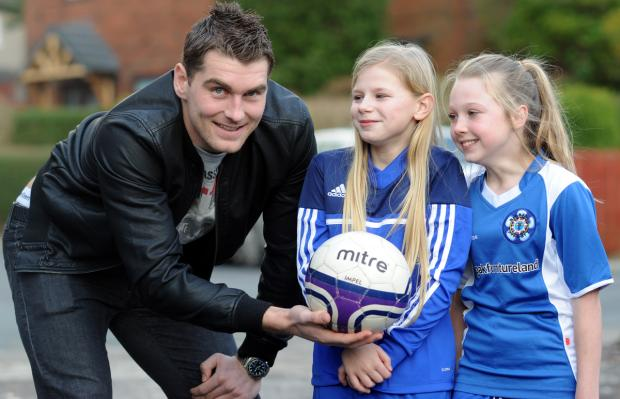 Burnley stars' special delivery to school students