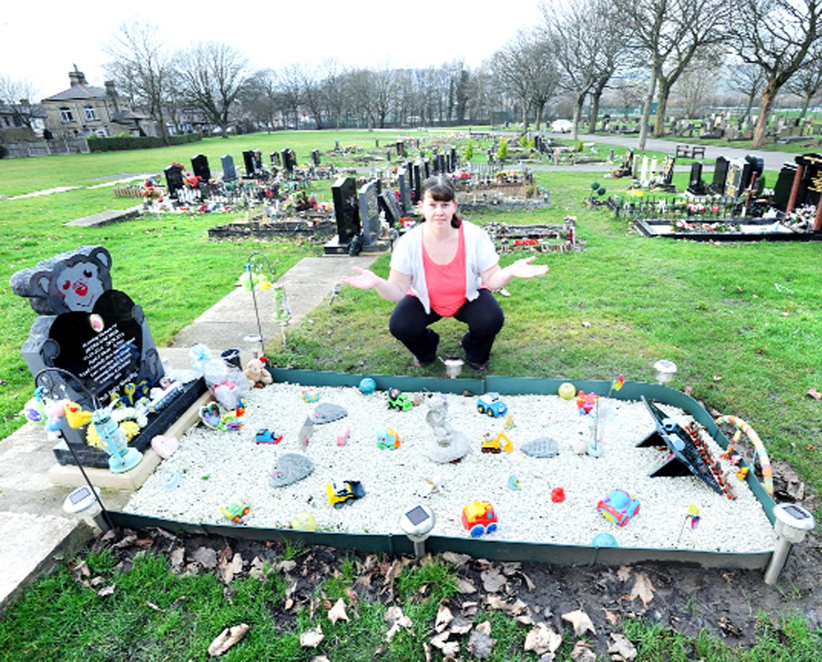 Distraught family brand Nelson grave thieves 'HEARTLESS'