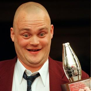 Newly-available online records show that pub landlord comic Al Murray is a distant cousin of Prime Minister