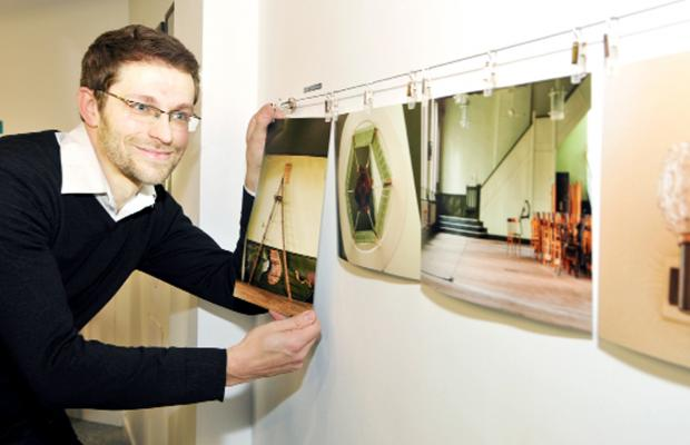 This Is Lancashire: A flashback to artist Richard Tymon displaying his work in the 'Blackburn is Open' shop