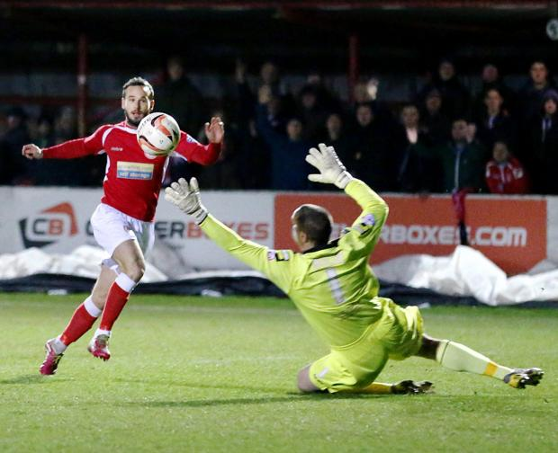 Lee Molyneux completes the rout last night