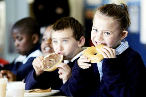 This Is Lancashire: Call for free school meals to stop Blackburn children going hungry