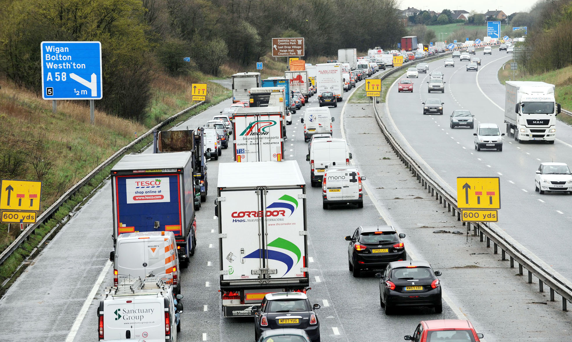 UPDATE: M61 reopens after lorry crash