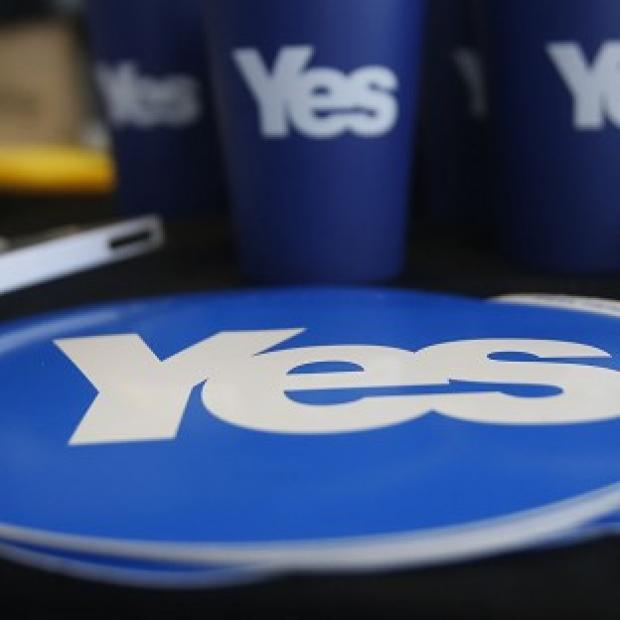 This Is Lancashire: A new poll suggests the 'yes' independence campaign is closing the gap