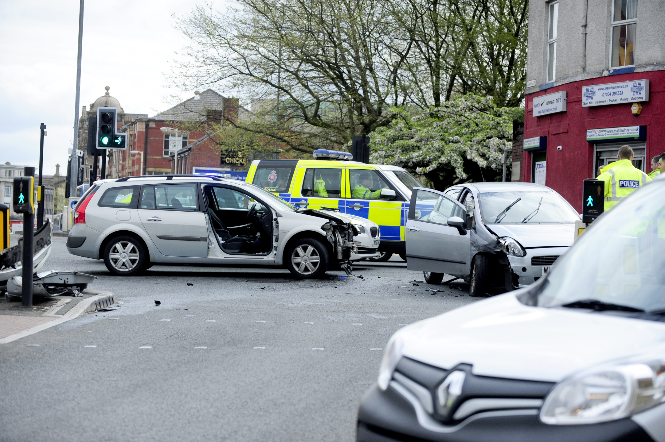 Man cut out of crashed car in Moor Lane