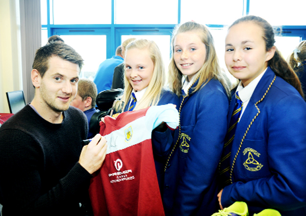 Tom Heaton with Olivia Moffitt, Tabitha Connolly and Millie Schofield