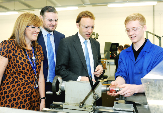 Minister engineers a lesson at Nelson and Colne College