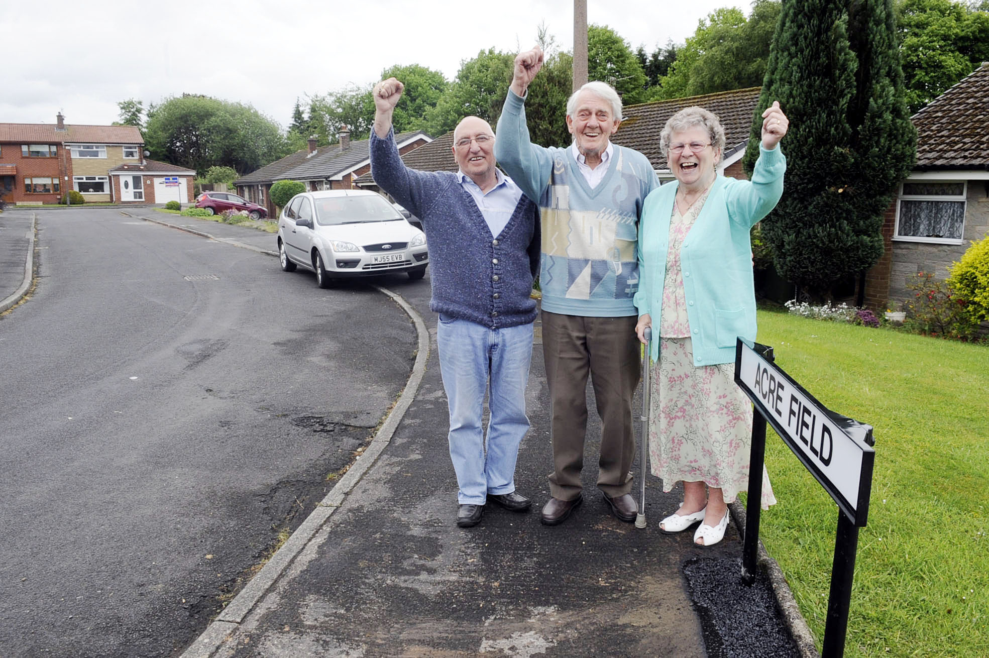 Missing Harwood street sign FINALLY returned