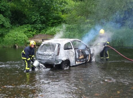 UPDATED: Driver goes on rampage around Bury before setting car on fire in river