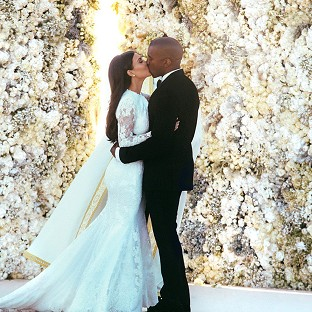 Kanye West apparently bought Kim Kardashian a portrait of herself