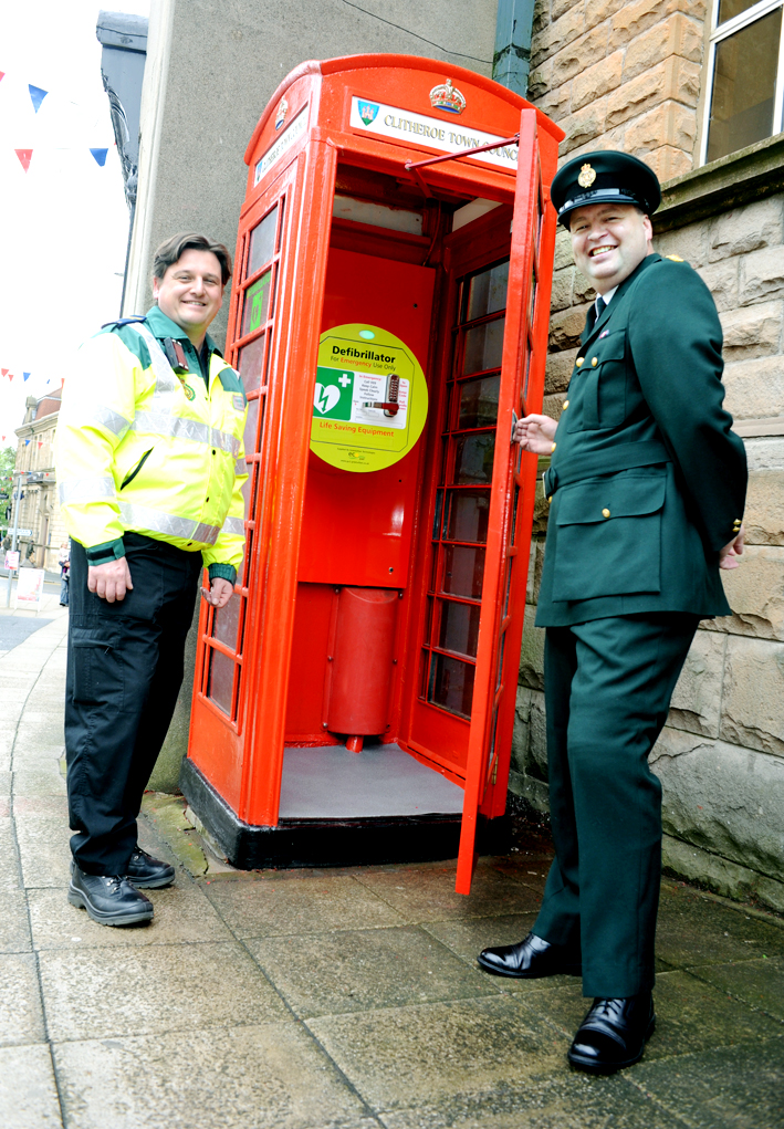 Defibrillator is installed in old phone kiosk to help save lives in Clitheroe