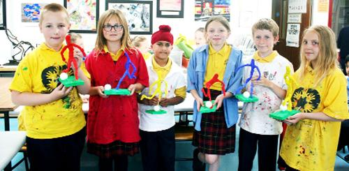 This Is Lancashire: ART ATTACK: St James' primary pupils tackle art classes at Albany Academy