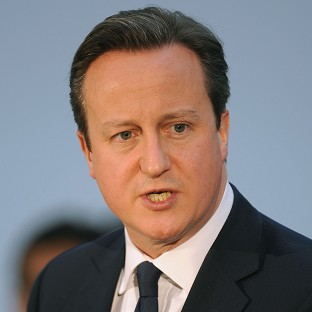 Prime Minister David Cameron has welcomed a new rail discount for forces volunteers