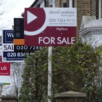 Further fall in mortgage approvals