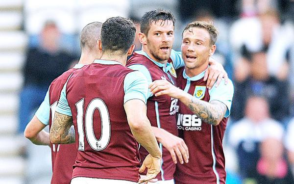 Burnley boss Dyche delighted with Jutkiewicz's development