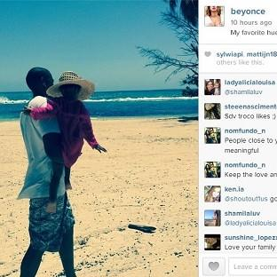 Beyonce posted this picture of Jay Z and Blue (Beyonce/Instagram)