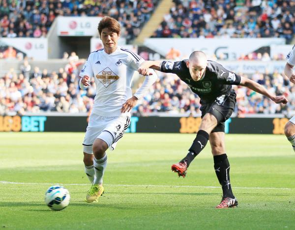 David Jones tries his luck at Swansea