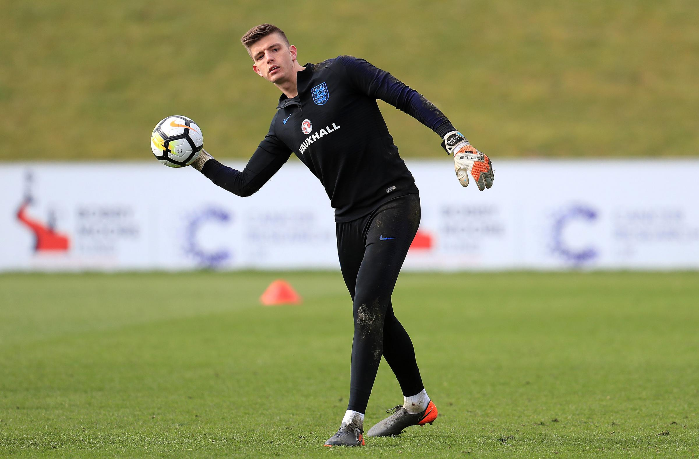 Former Claret Chris Pearce believes Nick Pope should be England's No. 1 in Russia